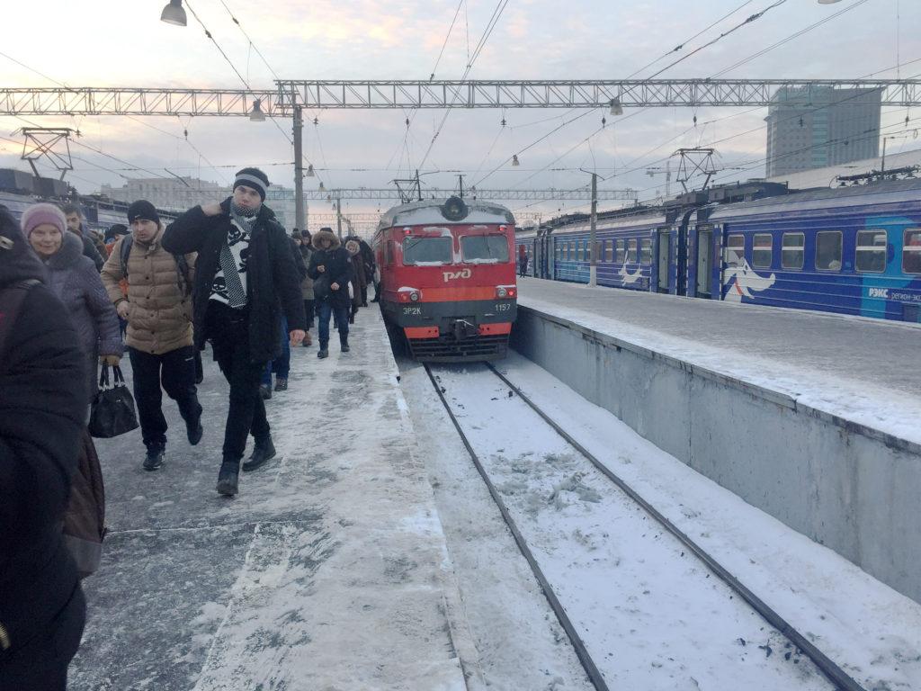 Электричка на вокзале